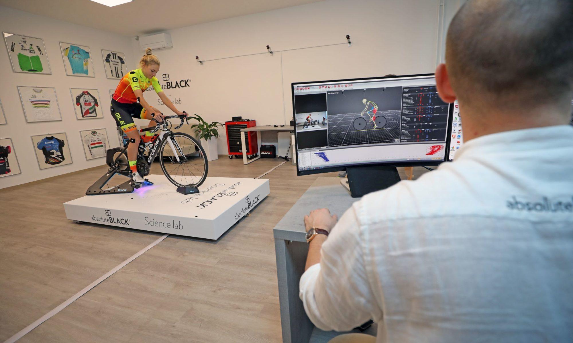 Nastavitev kolesa v laboratoriju. Znanstveni bike fitting. Dr. Borut Fonda Sports Performance vam pomaga hitreje kolesariti.